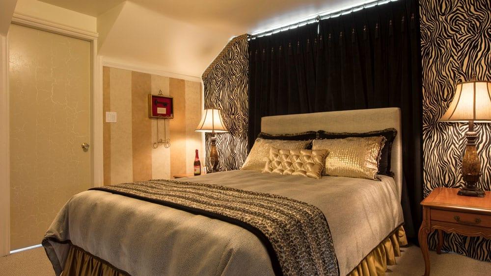 North Vancouver B&B Ocean View Luxury Queen Suite