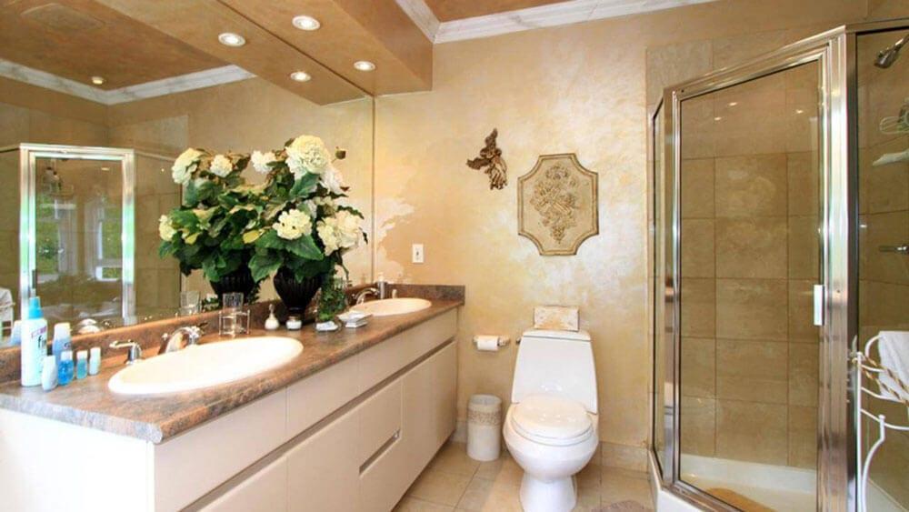 vanity featuring dual sinks