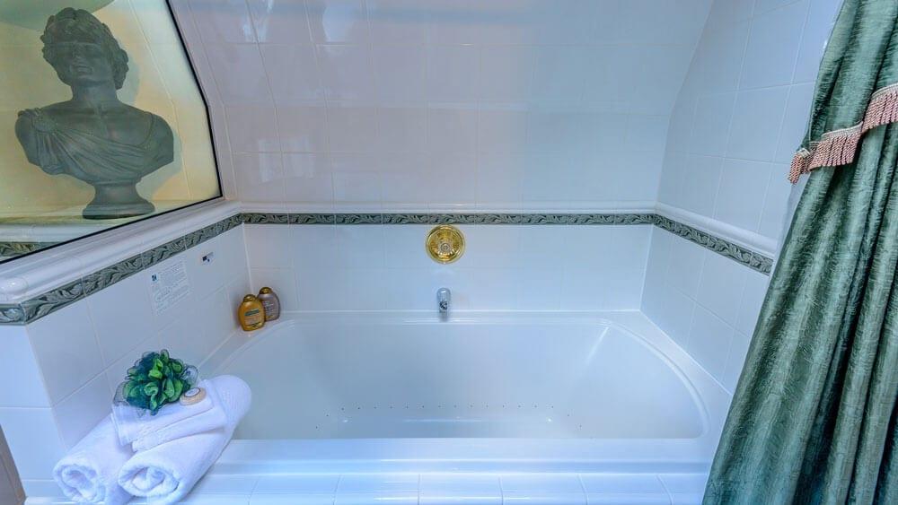 luxury bathtub
