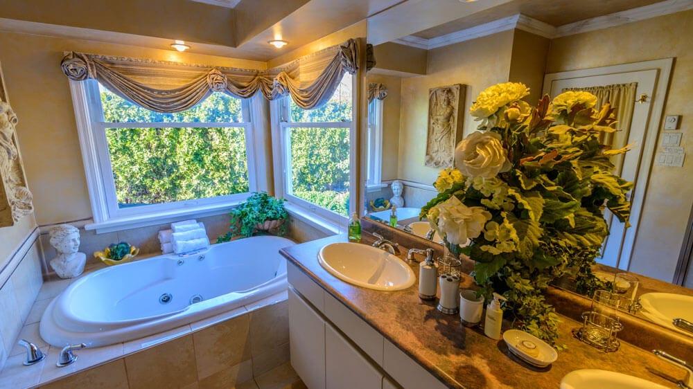 exquisite bath